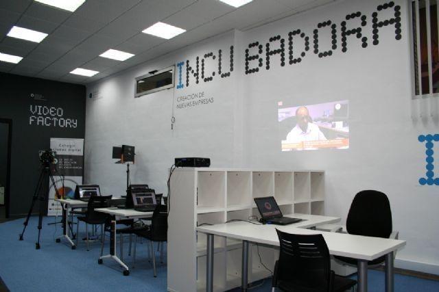 El Centro de Referencia TIC ofrece un curso de 'Iniciación a la Informática e Internet para Mayores'