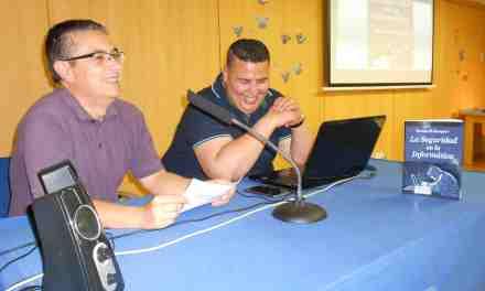 Presentación del libro «La Seguridad en la Informática» en el salón de actos del Museo de Ciencias y del Agua de la Región de Murcia