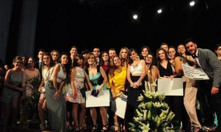 El alumnado de segundo del Emilio Pérez Piñero se gradúa