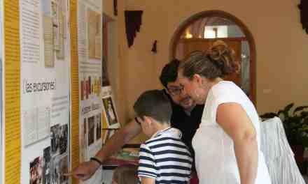 Los recuerdos del club juvenil Edith Stein, en el claustro de la Hospedería del Carmen de Caravaca