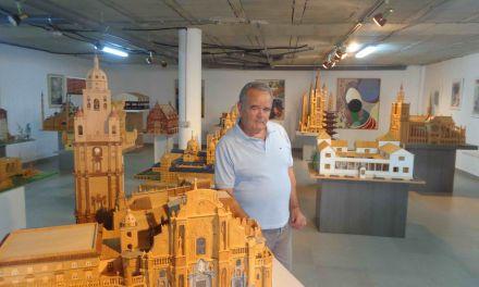 La exposición de maquetas de Alfonso Fernández será publicitada en las páginas turísticas del Ayuntamiento de Bullas