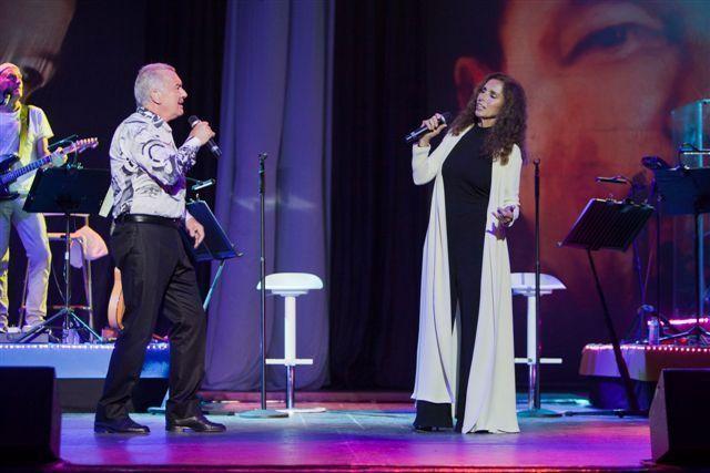 Brillaron con luz propia Ana Belén y Víctor Manuel en San Javier en la gira que les trae el 11 a Cehegín