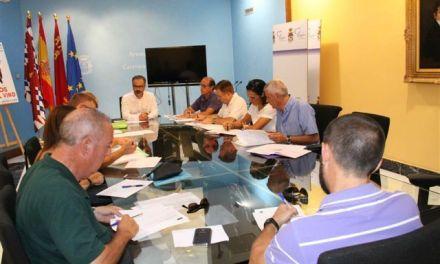 La Comisión de Escolarización de Caravaca resuelve incidencias pendientes y planifica la distribución del alumnado para el curso 2015/2016