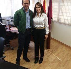 Mejorar la flota de vehículos de la policía local y crear un centro integral de seguridad en Bullas, propuestas trasladadas por Mati Guillén al Director General