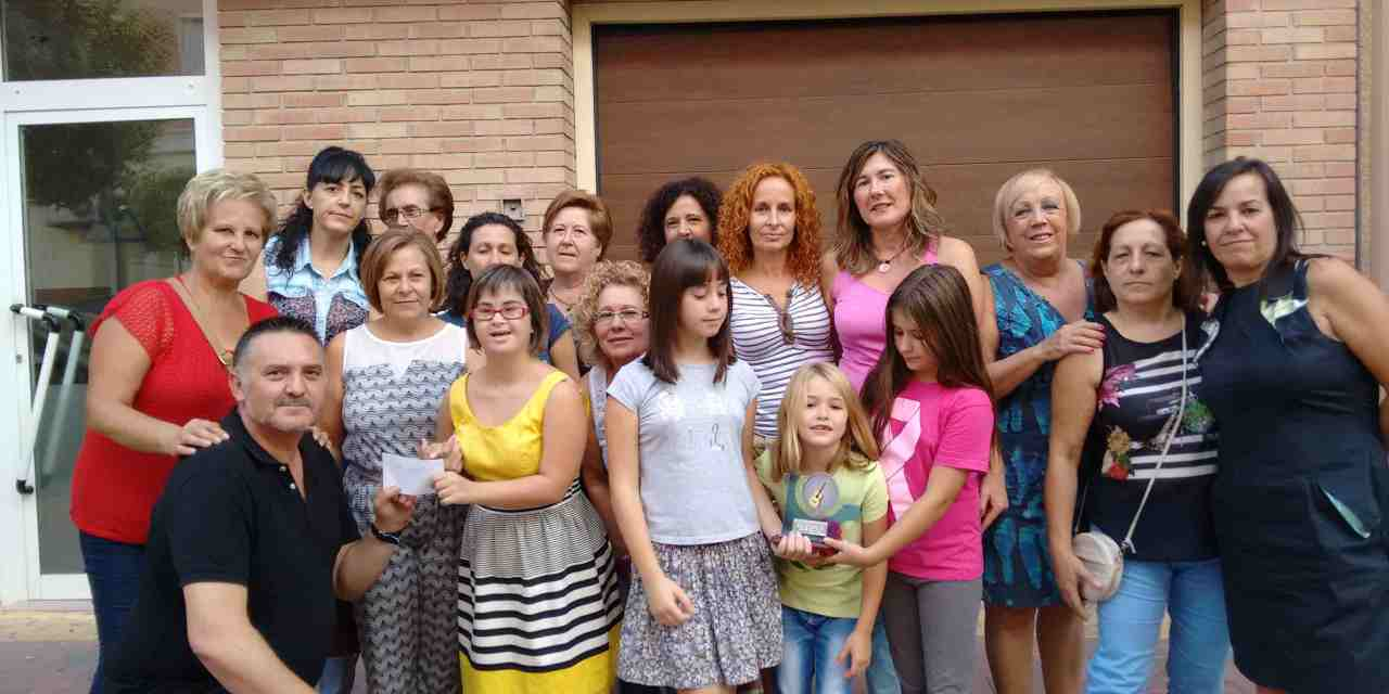 Amigos de las Sevillanas de Bullas recauda dinero para la capilla del Barrio de la Cruz