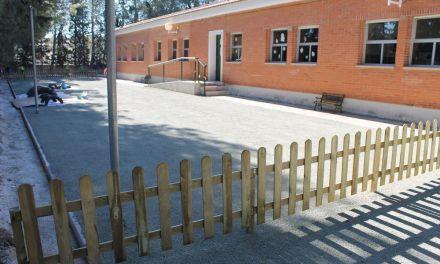 El Colegio Antonio Machado de Bullas cuenta con nueva pavimentación en el suelo del patio