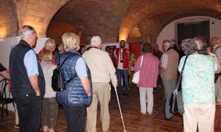 Miles de turistas sénior austriacos visitan el Museo del Vino y una bodega de Bullas