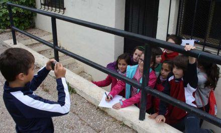 """Los alumnos de 4º de Primaria de Cehegín realizan la actividad """"El libro escondido"""