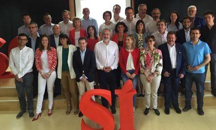 Acto conjunto de los alcaldes socialistas de la región al cumplirse un año de gobierno