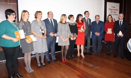 Pedro Antonio Sánchez: «Las mujeres empresarias ponen su coraje y capacidad al servicio del crecimiento de la Región de Murcia»