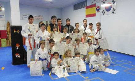 Examen de taekwondo en el Gimnasio Sin de Caravaca