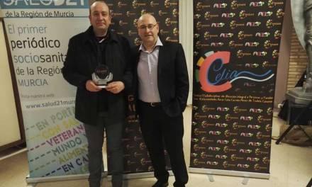 """La Asociación de Enfermedades Raras D´genes, premia al  Club de MTB """"Los Simao"""" por su labor solidaria"""