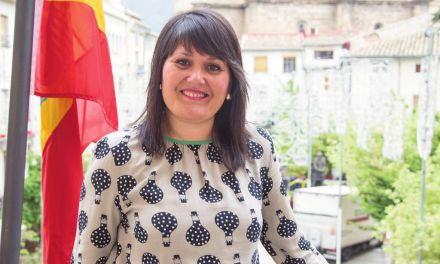 """""""Es muy importante que toda Caravaca se vuelque para que en 2020 sea una realidad los Caballos del Vino como Patrimonio de la Humanidad"""" Gloria Gómez, concejal de Turismo y Comercio en el  Ayuntamiento"""