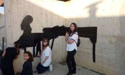 La Concejalía de Juventud de Caravaca clausura con el artista Sam3 la primera edición del taller 'Street Art'