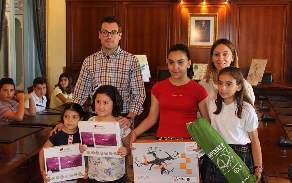 Entregados en Cehegín los premios del VIII Concurso Escolar de Carteles del Día Mundial del Medio Ambiente
