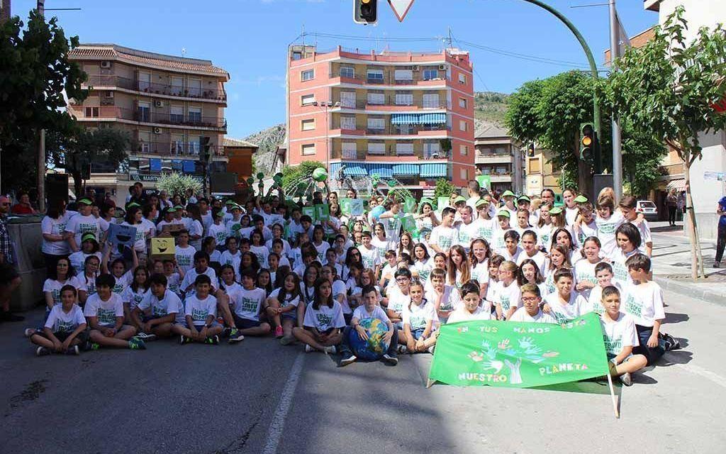 Escolares de Cehegín celebran con un 'flashmob' el Día Mundial del Medio Ambiente
