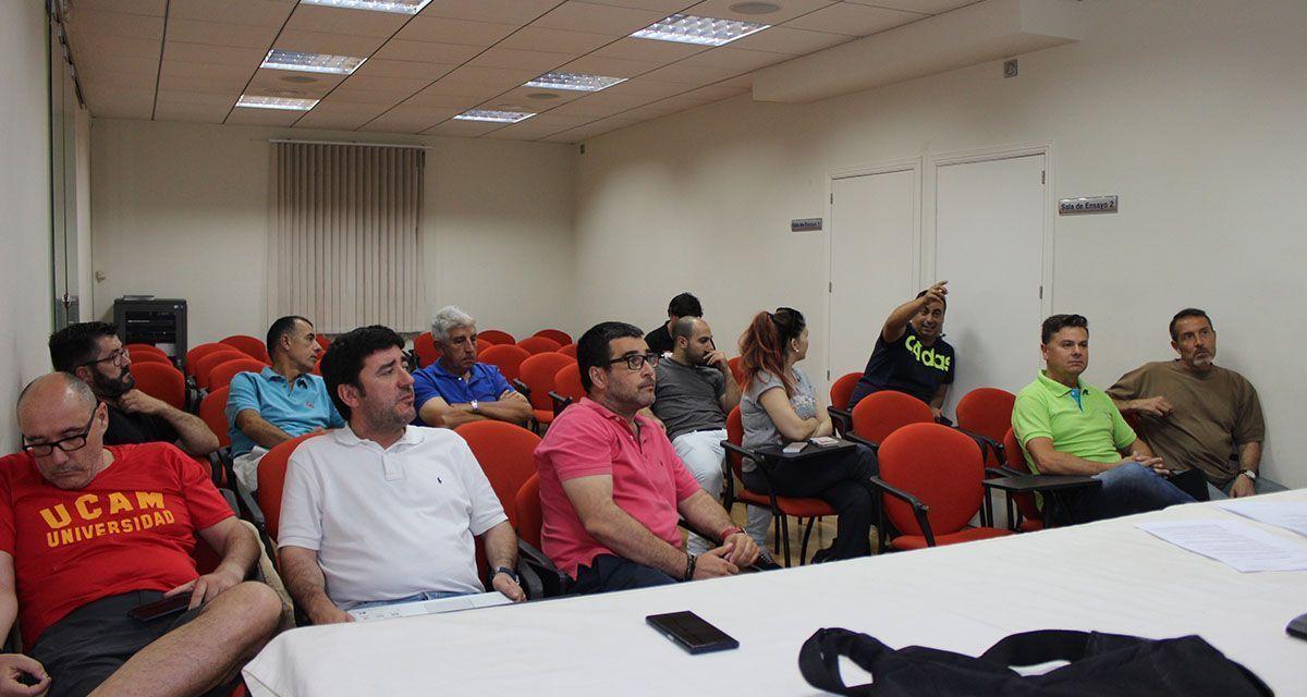 Los clubes deportivos de Cehegín muestran su apoyo al proyecto de reconstrucción del pabellón planteado por el Equipo de Gobierno