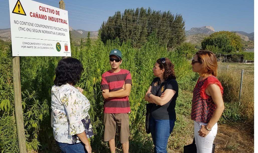 Agricultura visita en el Noroeste dos explotaciones de jóvenes agricultores beneficiarios de las ayudas del Programa de Desarrollo Rural