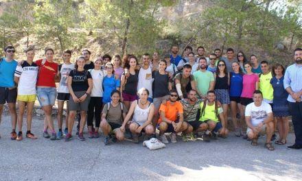 30 jóvenes de todo el país pasan sus vacaciones colaborando en Calasparra