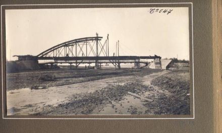 Puente de Hierro sobre el Río Argos