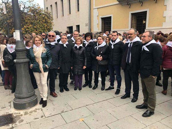 Familia Marín con el alcalde José Moreno