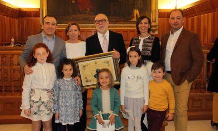 Juan José Avilés recibe el título de 'Hijo Adoptivo de Caravaca de la Cruz'