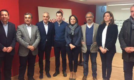 """El PSOE recorre los municipios para explicar su alternativa para 2018 al """"Pacto de las Migajas"""" entre PP y Ciudadanos"""