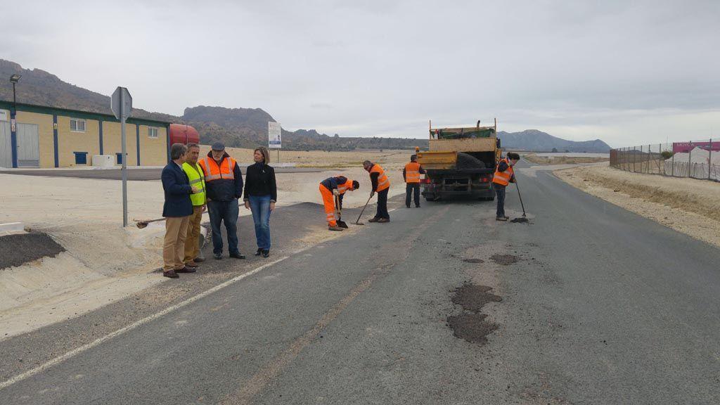 Fomento inicia una campaña de reparación de daños en 33 kilómetros de la red regional de carreteras