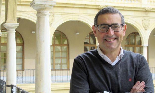 """""""Queremos una universidad que identifique y represente a Murcia en el mundo y se ofrezca como el mejor socio para el empresariado regional"""", José Luján, aspirante a rector de la UMU"""