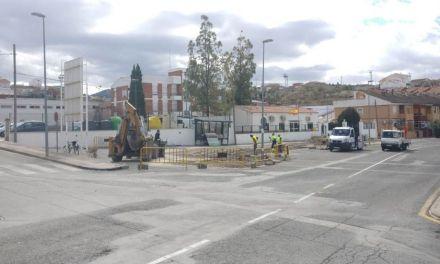 Obras en el apeadero de autobuses en la Avenida Cehegín de Bullas,