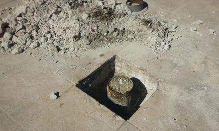 Se están realizando reformas en la piscina municipal de Pliego ante el despilfarro de agua que se producía