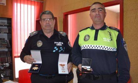Distinguidos dos agentes de la Policía Local de Calasparra por su buen servicio a los ciudadanos