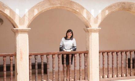 """""""Espero que seamos los mejores anfitriones para los turistas que vienen cada año a conocer y disfrutar de nuestras Fiestas"""", Gloria Gómez, concejal de Turismo y Comercio"""