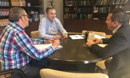 Reunión entre el Alcalde de Mula y el Director General del Agua