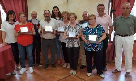 Los trabajadores municipales jubilados en el último año reciben un homenaje en la festividad de Santa Rita