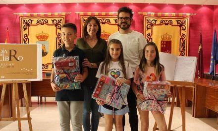 Entregados en Bullas los premios del I Concurso de cuentos Libro Gigante 2018