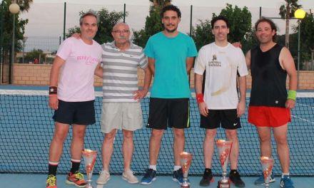 Juan Antonio Jiménez, ganador de la Liga de Tenis de Mula