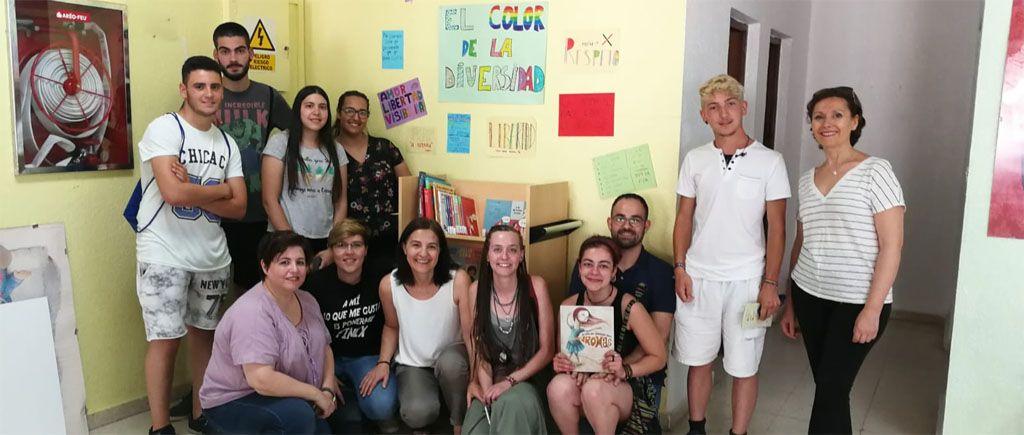 Punto de lectura para la diversidad en la Biblioteca de Pliego