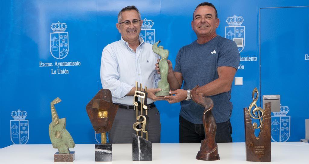 Llegan los trofeos de la 58 edición del Cante de las Minas