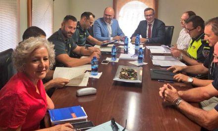 Receptividad del Delegado del Gobierno en temas de seguridad y cuestiones de infraestructuras para el agua de Pliego