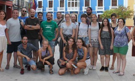 Llegan los alumnos que participaran en una nueva campaña de excavaciones arqueológicas en la Villa Romana de Los Cantos
