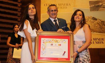 """El Festival Internacional de Cantes de las Minas entrega su """"Castillete de Oro"""" a Francisco José Ródenas"""