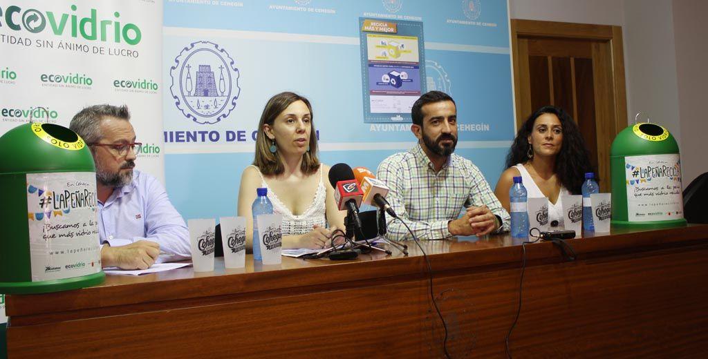 Medio Ambiente promueve el reciclaje de plástico y vidrio en el Recinto Ferial de Cehegín con las campañas del 'Ecovaso' y 'La Peña Recicla'