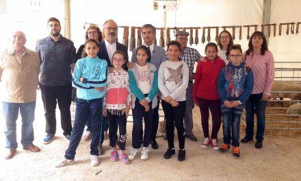 La tercera edición de la Feria del Ovino Segureño y de la Ganadería Extensiva de Caravaca arranca con las visitas de escolares