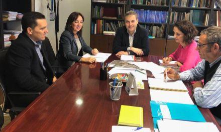 La Alcaldesa y el Concejal de Agricultura asisten a una reunión en la Dirección General del Agua