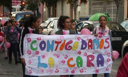 """Cehegín """"da la cara"""" en la marcha solidaria contra el cáncer de mama"""