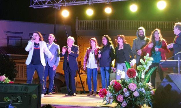 Varios artistas de Campos del Río ofrecen un exitoso y divertido concierto