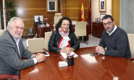 Jornada  de trabajo para el concejal de Urbanismo en la Consejería de Fomento sobre la carretera de Cañada García y el PGMOU