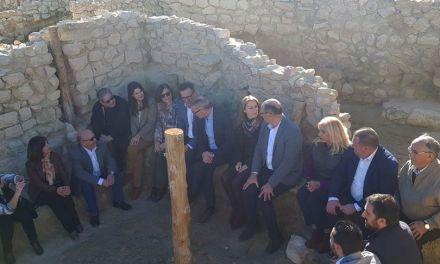 El Ministro de Cultura visita los yacimientos arqueológicos de La Bastida y La Almoloya