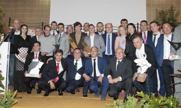 El Club Taurino de Cehegín entrega su premio Morisco